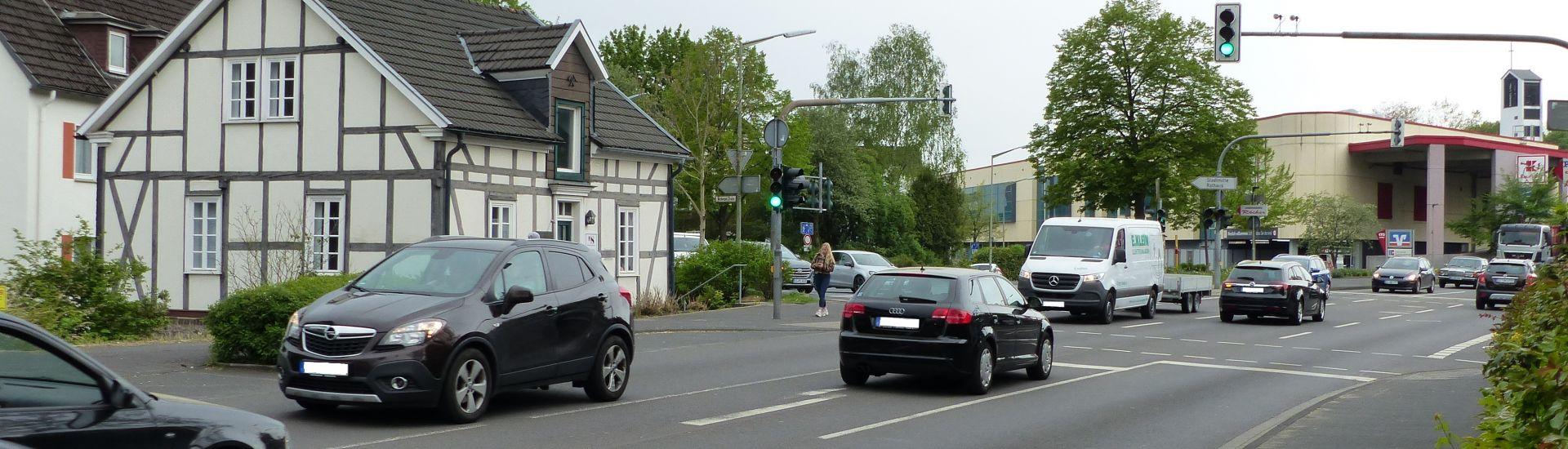 Das Bild zeigt eine Straße in Kreuztal.